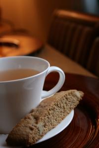 caramel-walnut-biscotti